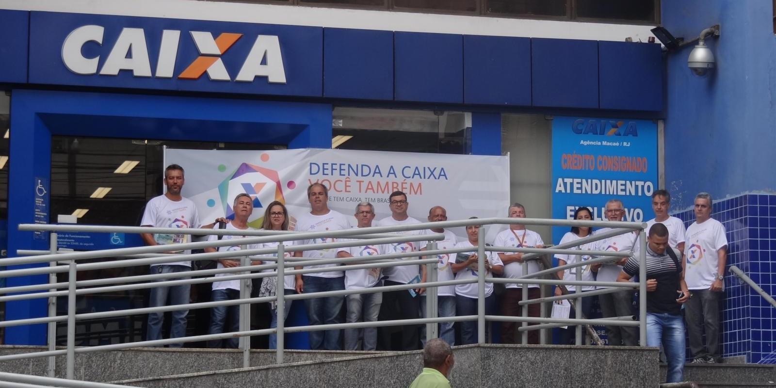Trabalhadores defendem a soberania em ato no Rio e o SEEB Macaé se fez presente.