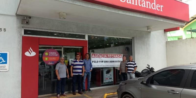 Santander demite funcionários na base de Macaé