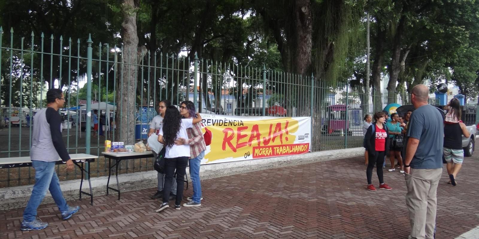 Trabalhadores vão às ruas contra a reforma da Previdência
