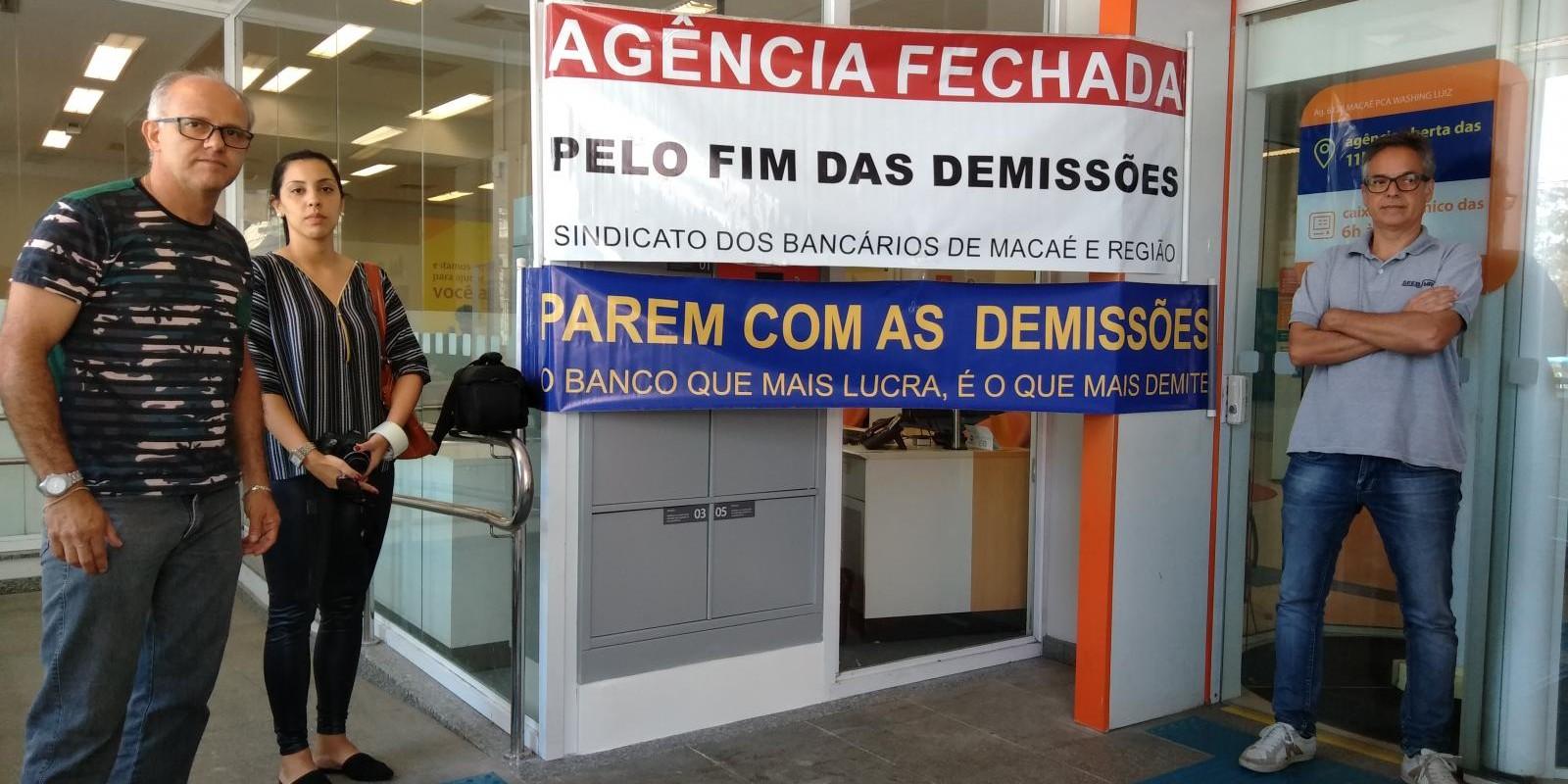 Movimento contra demissões no Itaú