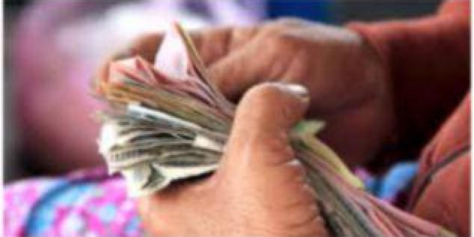 Moedas e notas de dinheiro podem transmitir coronavírus