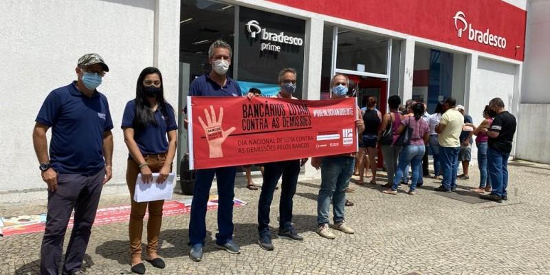 Sindicato realiza dia de luta contra as demissões no Bradesco