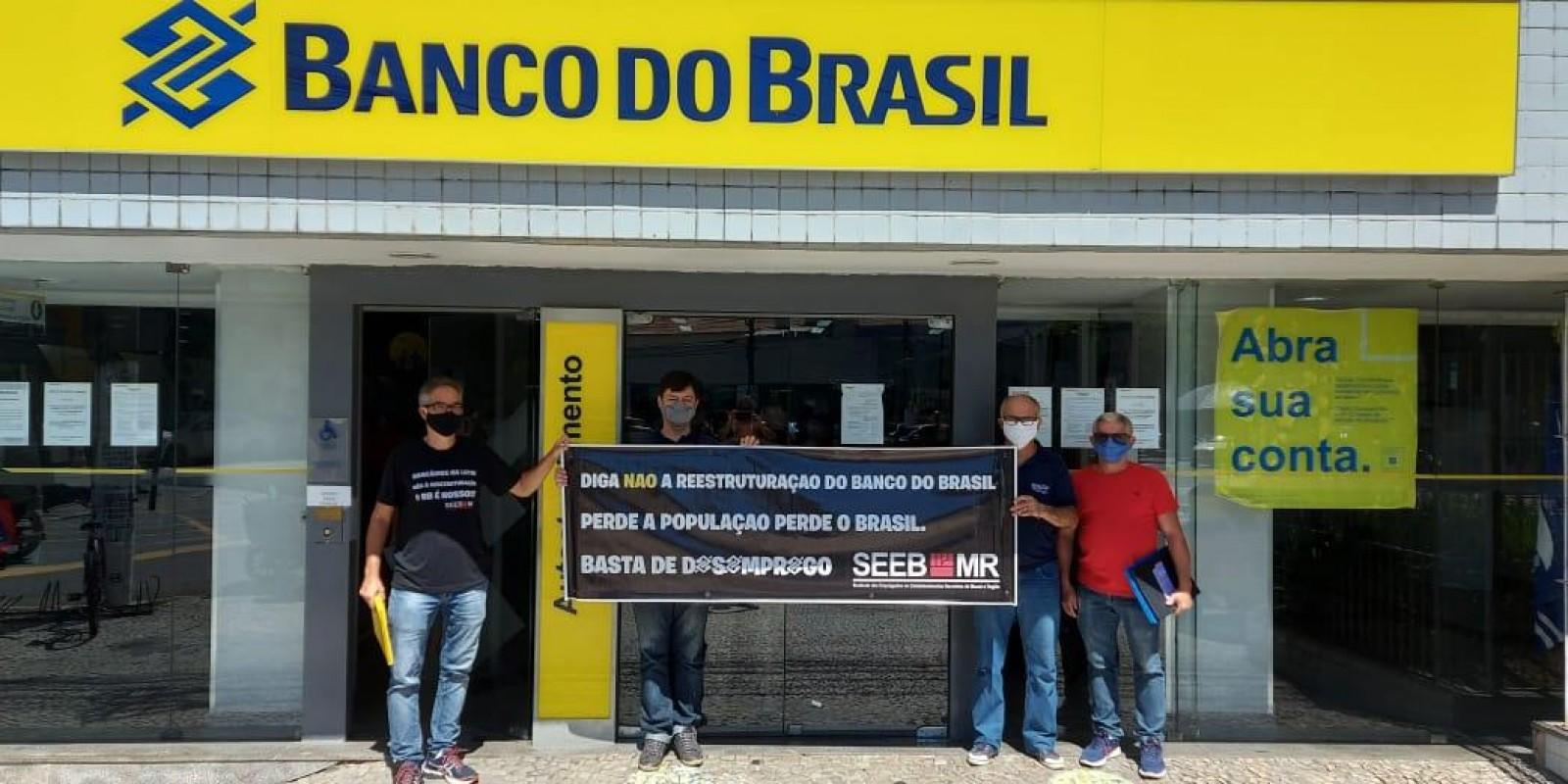 De norte a sul do Brasil, manifestações defendem empresas públicas